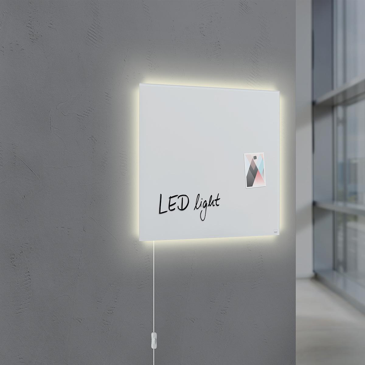 GL401-Glasmagnetboard-artverum-LED-superweiss-ambiente-01-A1